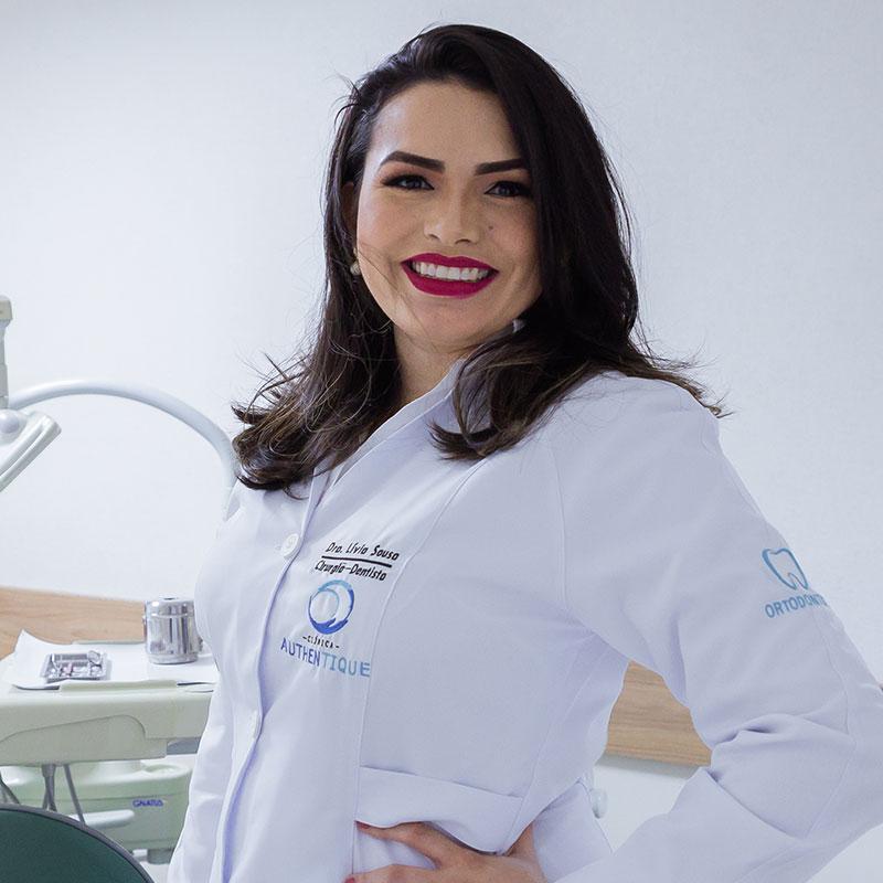 Dra Lívia Maria Costa Sales e Sousa