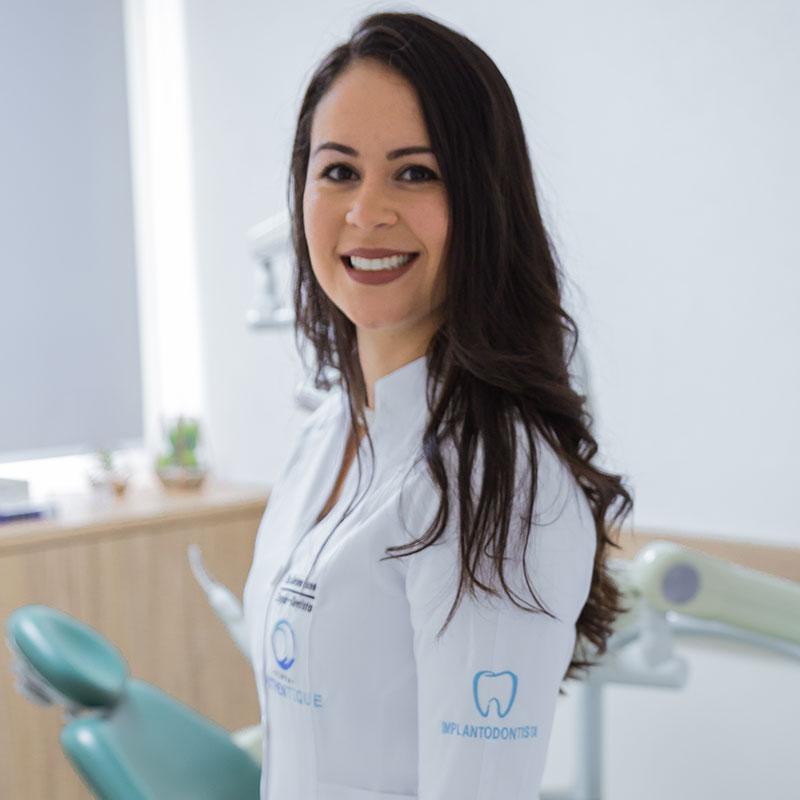 Dra Mariana Bueno
